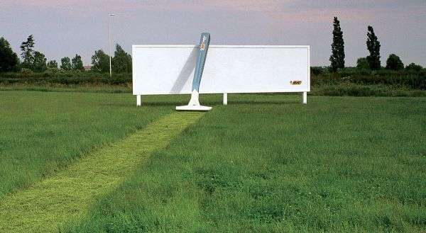BIC employs an ambient guerrilla marketing tactic to intrigue passersby and increase brand visibility